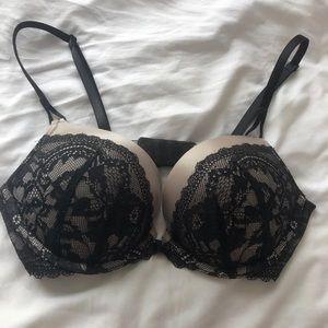 Victoria Secret Miraculous Plunge 34B Black lace